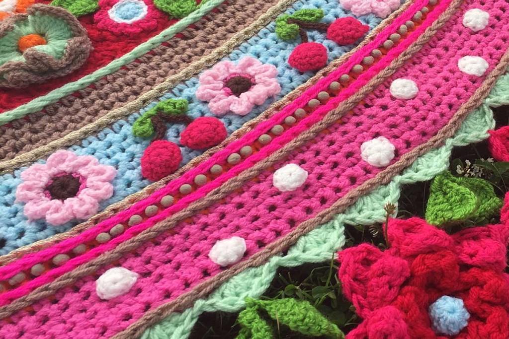 haakpakket-stola-omslagdoek-crochet-kit-shawl-cherry-blossom-adindas-world-003