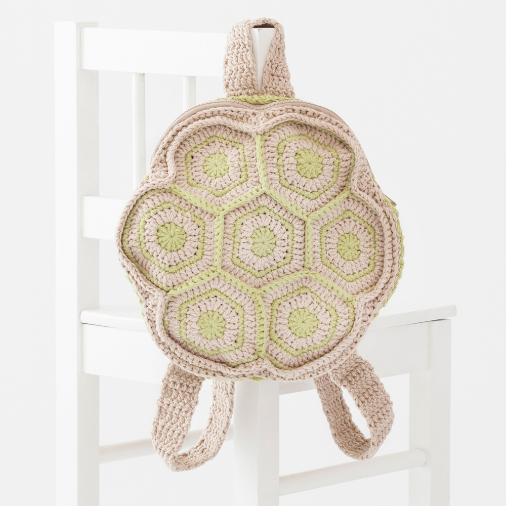 Amigurumi backpack
