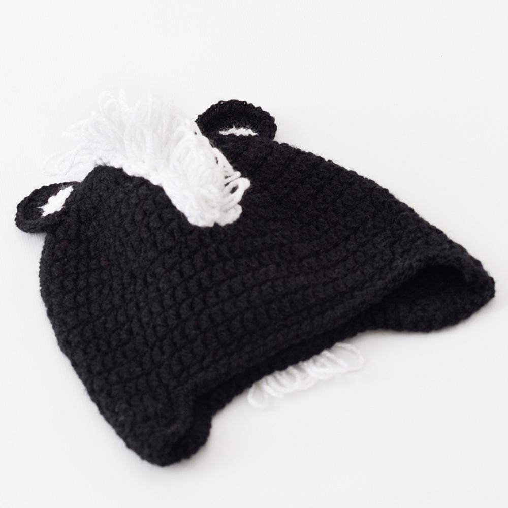Amigurumi skunk hat