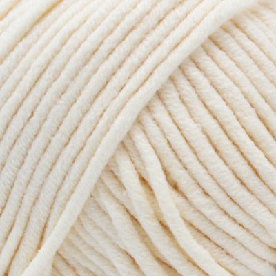 Yarn and Colors Fabulous 002 Cream