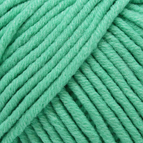 Yarn and Colors Fabulous 075 Green Ice